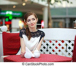 cute, mulher, restaurante, dentro, sentando, sorrindo, café