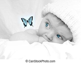 cute, pequeno, bebê, olhar, um, borboleta, sonho