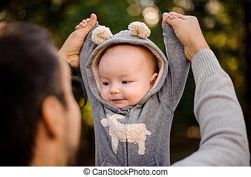 cute, pequeno, pai, parque, filho, tocando