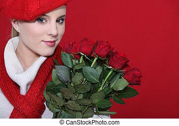 cute, roses., segurando, loura, grupo