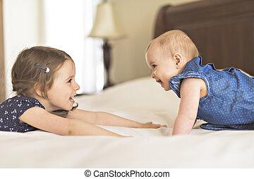 cute, sister., irmão, cama, dois, retrato, crianças