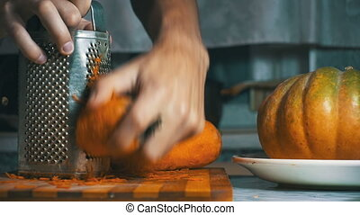 Cutting Carrot Grater