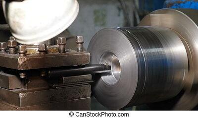 cutting., k, métrage, tapotement, action., vis, produit, fil, metalworking, vieux, détail, 4, close-up., tourner, tour, atelier, moudre, factory., produire, métal, machine, intérieur
