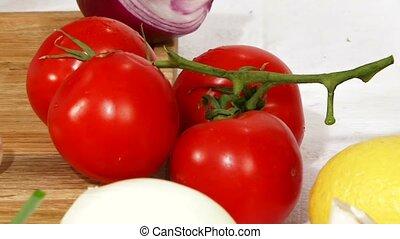 Cutting Tomato