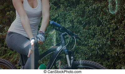 cyclisme, codage, femme, données binaires, contre, porter, traitement, gants