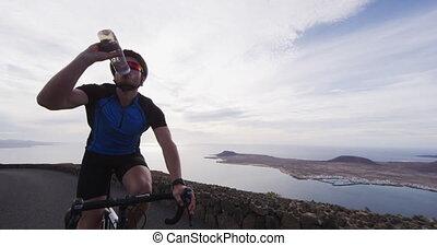cyclisme, faire vélo, homme, boire, cycliste, exercice, eau, route, pendant, formation