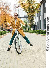 cyclisme femme, excité