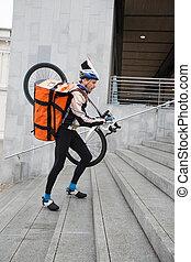 cycliste, marche, va bicyclette courrier, haut, sac, étapes, mâle
