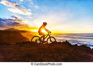 cycliste, montagne, cyclisme femme, piste, vélo, faire vélo