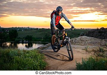cycliste, montagne, rocheux, piste, vélo, coucher soleil, équitation