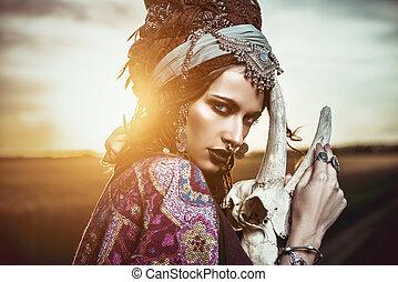 cygan, kobieta, zachód słońca