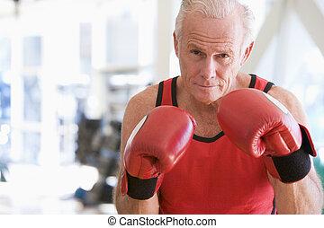 człowiek, boks, na, sala gimnastyczna