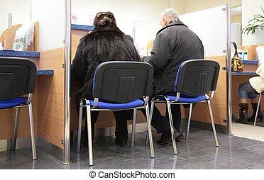człowiek i kobieta, w, bank
