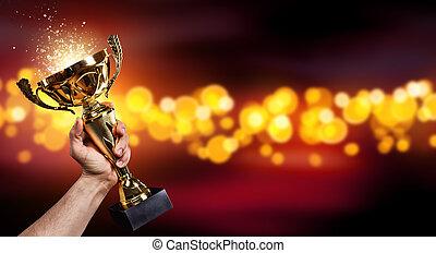 człowiek, przytrzymując, niejaki, złota filiżanka trofeum