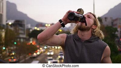 człowiek, sporty, woda do picia, kaukaski
