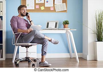 człowiek, w domu, biuro