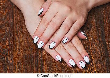 czarnoskóry i biały, paznokieć, sztuka, na, drewniany, tło