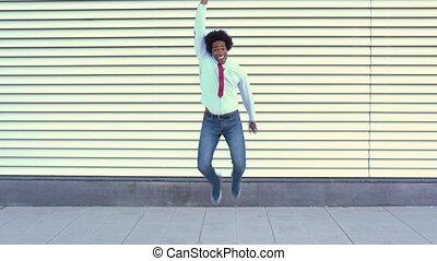 czarny człowiek, biznesmen, afro, hair., skokowy, outdoors.
