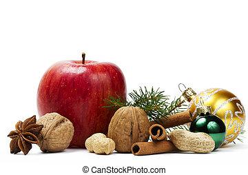 czerwone jabłko, gwiazda anyż, jakiś, orzechy laskowe, złoty, i, zielony, boże narodzenie, piłki, i, niejaki, gałąź, na białym, tło