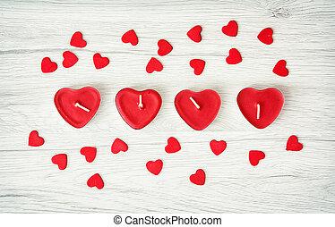 czerwone serce, świece, z, mały, dekoracyjny, serca, na, przedimek określony przed rzeczownikami, drewniany, tło, valentine dzień