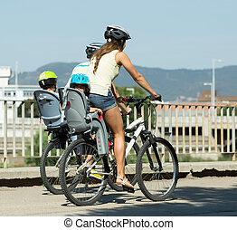 cztery, bicycles, podróżowanie, rodzina