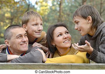 cztery, park, rodzina