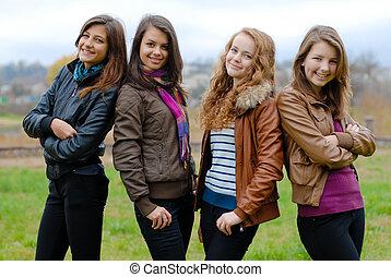 cztery, teenage, przyjaciele, szczęśliwy