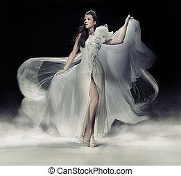 czuciowy, brunetka, kobieta, w, biały strój