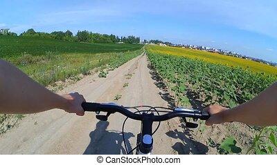 czyn, pole, aparat fotograficzny, rower