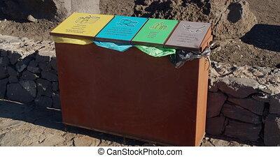 déchets ménagers, tri, boîtes, languages., garbage., texte, ...