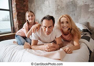 décontracté, famille, apprécier, week-end, chez soi