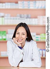 décontracté, femme, jeune, fonctionnement, pharmacie