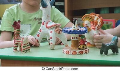décoré, argile, enfants jouer, métiers