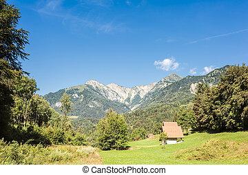 alpes montagne chalet italie bois apr s chute neige photos de stock rechercher des. Black Bedroom Furniture Sets. Home Design Ideas
