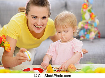 décorations, mère, bébé, confection, paques, heureux