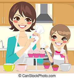 décorer, petits gâteaux, fille, mère