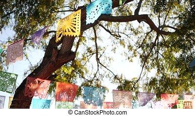 découpé, folklorique, multi, vacances, latin, drapeaux, amérique, bannière, décoration, authentique, perforé, festival, picado, garland., papier, fête, papel, carnival., coloré, tissu, mexicain, coloré, ou, hispanique, coloré