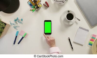 défilement, touchscreen, vert, doigt