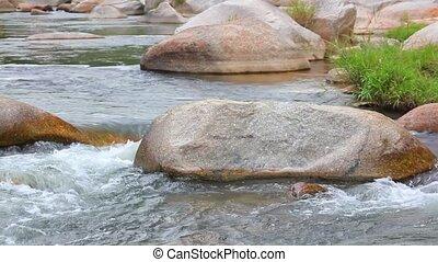 définition, montagne, eau, élevé, frais, rivière