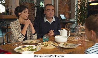 déjeuner, famille, homme, anonce, girl, quelque chose, peu