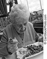 déjeuner, femme aînée, avoir