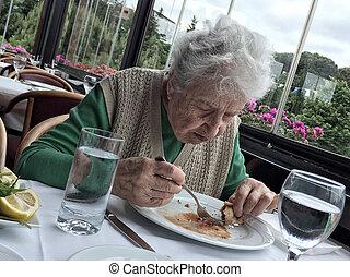 déjeuner, femme aînée, avoir, restaurant