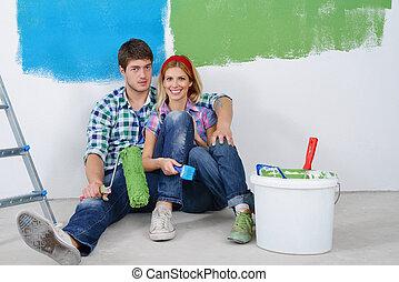 délassant, couple, après, jeune, nouvelle maison, peinture, heureux