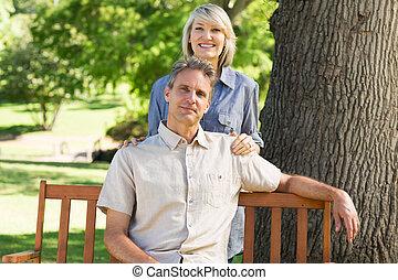 délassant, couple, parc