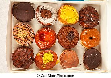 délicieux, cuit, toppings, gourmet, assorti, remplissage, boîte, dehors, fraîchement, beignets, prendre, livraison