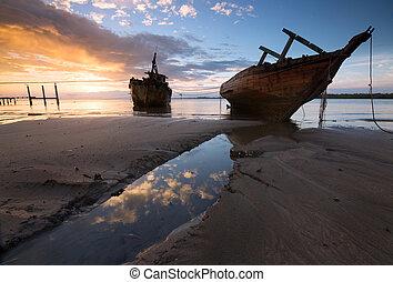 démoli, vieux, bateau, levers de soleil