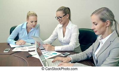département, briefing, blonds