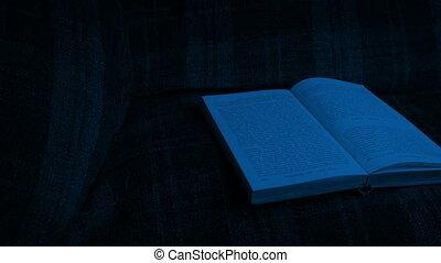 dépassement, livre, sur, chaise, dans noir
