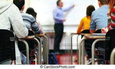 dépassement notes, étudiants, classe