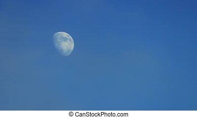 dépassement, nuages, journée, lune
